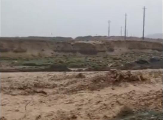 甘肃红崖子遭遇短时强降雨引发山洪