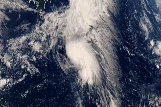 """星眼看地球:台风""""白海豚""""生成"""