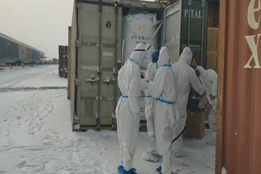 降雪降温 阿拉山口口岸货物通行正常