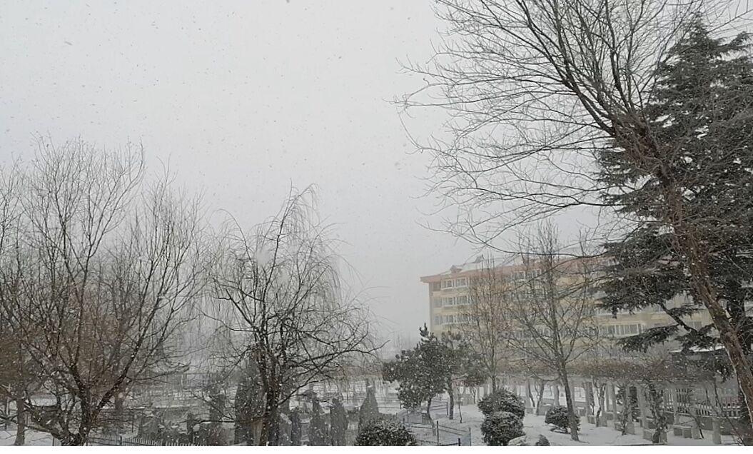 山东威海两日之内经历雾雪转换