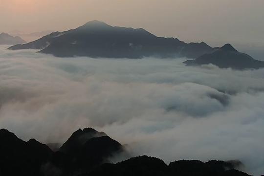 我的天空:在群山之巅 赏云海翻腾