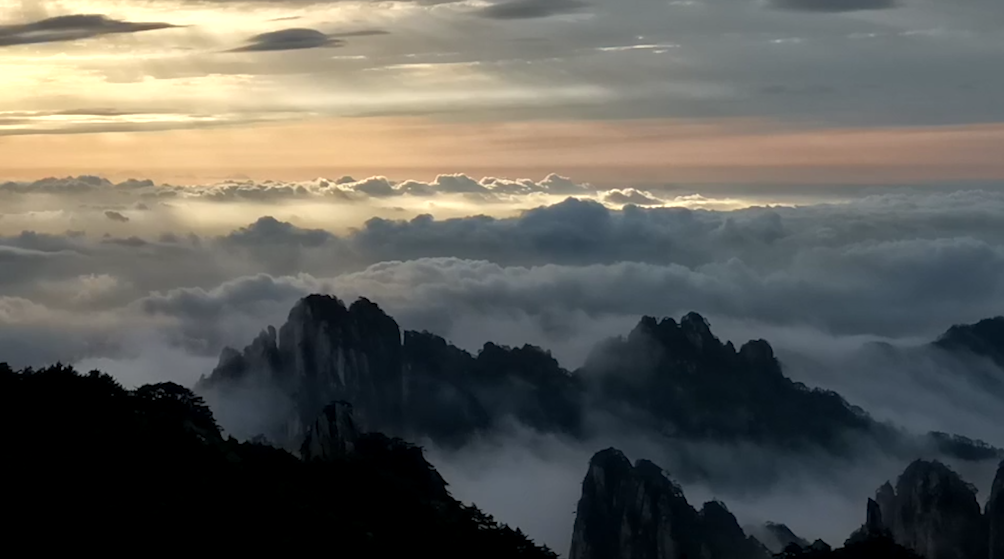 我的天空:安徽�S山落日暖�海