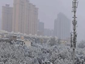 烏魯木齊迎今年下半年首場雪
