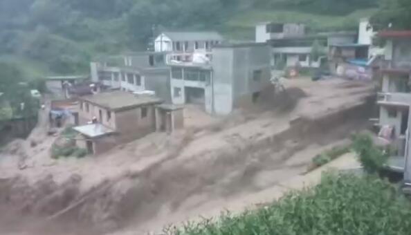 宕昌县出现区域性暴雨 ,引发山洪灾害
