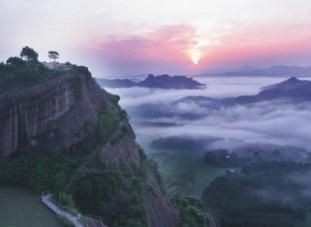 广西梧州石表山风景区