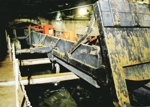 照片揭示世界名城下水道的秘密