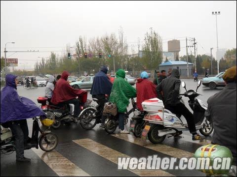 南方阴雨持续 局地将迎中到大雨