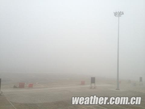 受大雾影响,原计划7时15分由重庆出发飞往梧州航班,延迟至10时起飞.