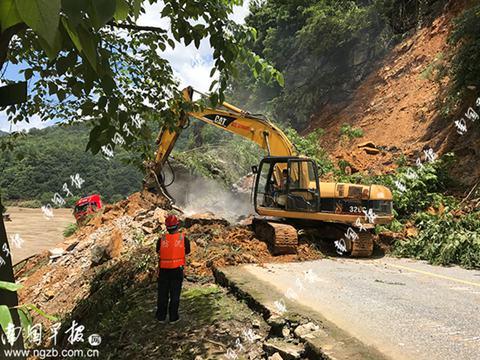 桂林河池贺州多干线公路阻断仍有塌方危险
