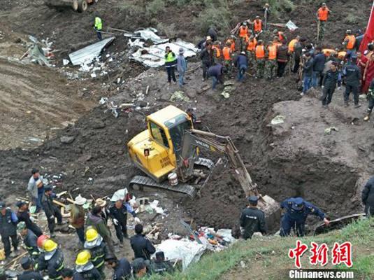 青海省玛沁县官方获悉,截至目前,救援人员已从该县思肉欠村山体滑坡