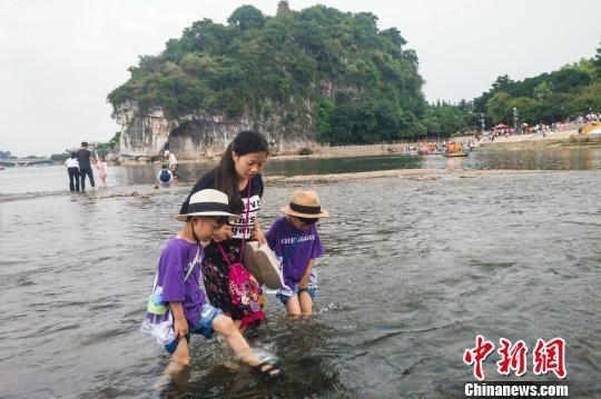 漓江制定枯水期补水计划