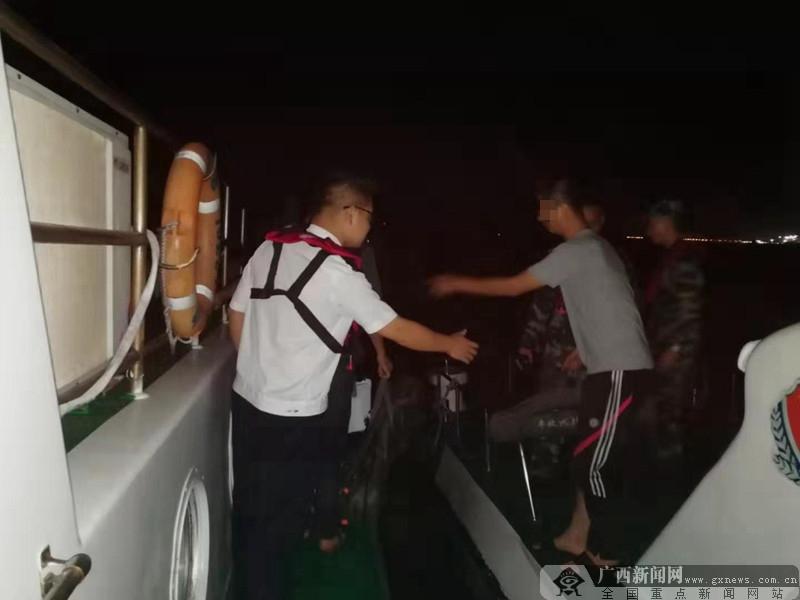 钦州海上搜救成功救人