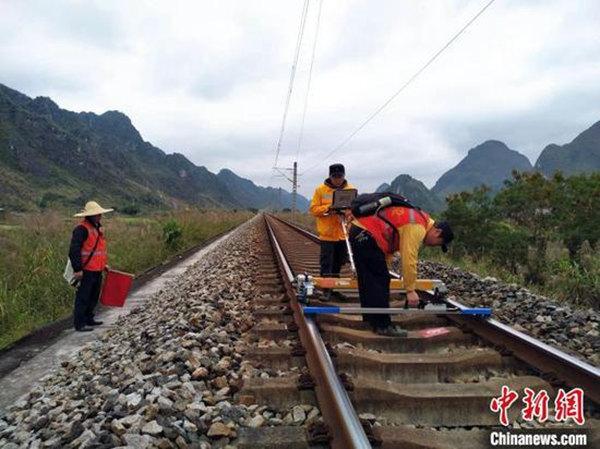 靖西地震铁路扣停列车