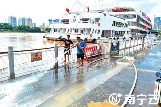 郁江南宁水文站洪峰已过 是今年以来最大洪水
