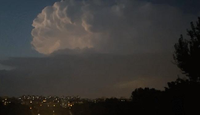 深入体验雷暴云里最激烈的狂风暴雨是什么感受?