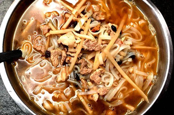广西好味道 走街串巷吃遍广西米粉