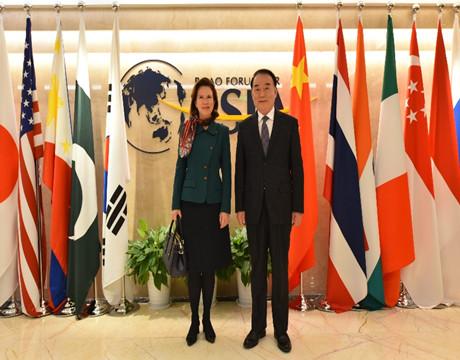 李保东秘书长应约会见英国驻华大使吴若兰
