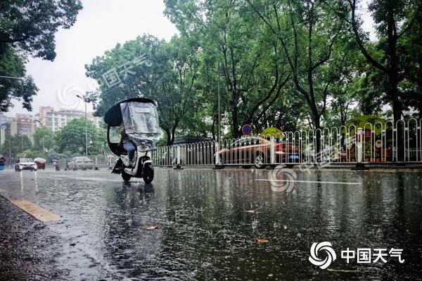 中东部降水将减弱西南强降雨增多 华南闷热持续