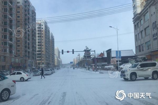内蒙古东部地区风雪不断 局地阵风7级