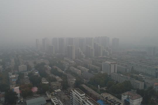 今晨河北多地雾气弥漫  明日冷空气带来降温