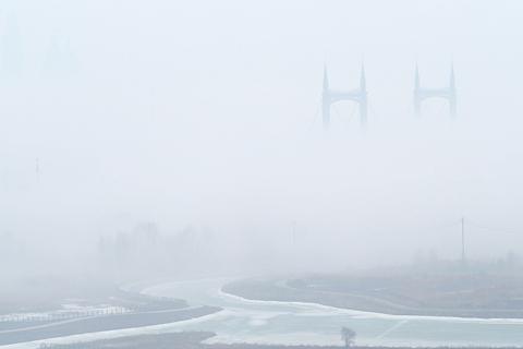 云雾环绕的阳明滩