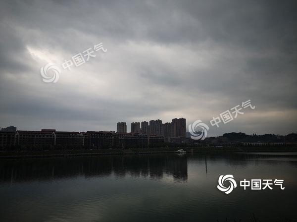 今明两天湖南有强对流天气  湘中以南局地大雨