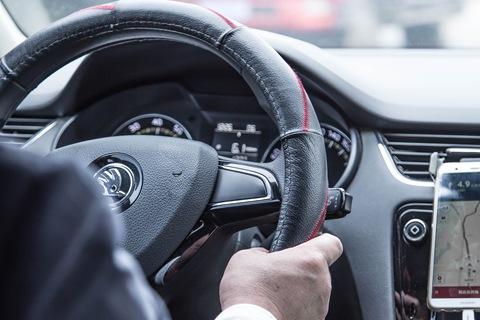 如何安全乘坐出租车或网约车?