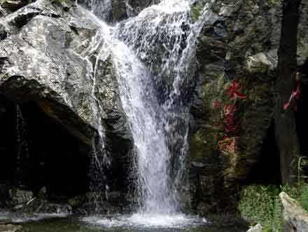 水簾峽風景區,位于濟南南部山區,山東生態旅游第一