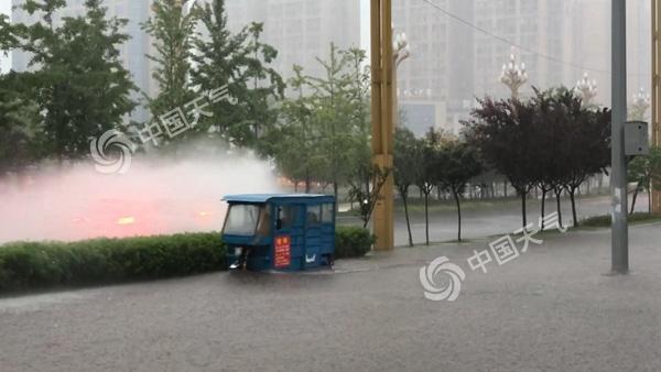 四川南充:强降水光临果城
