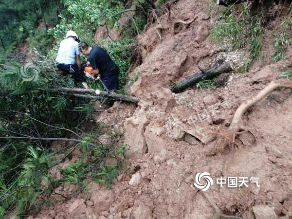 小时雨强超100毫米 泸县多个乡镇受灾