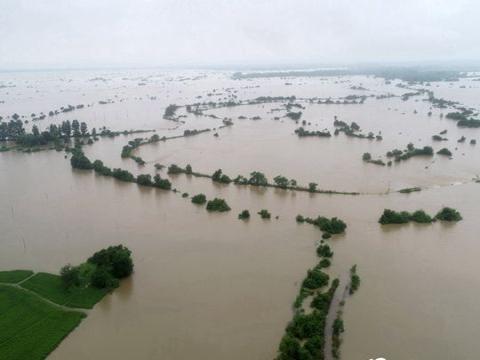 江西多地遭遇持续强降雨侵袭 受灾严重