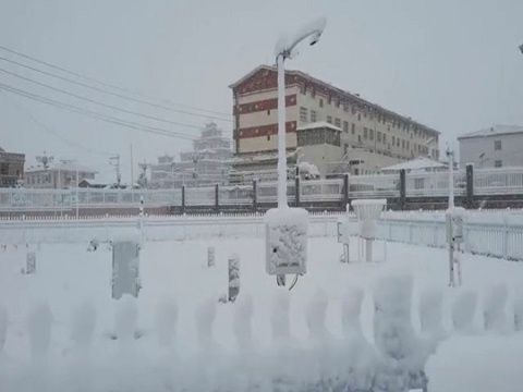 青海果洛藏族自治州今日出现降雪 未来三天气温将降至零度以下