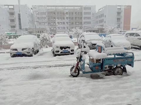 青海多地出现降水降温天气过程 门源出现暴雪