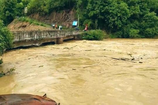 广东龙川多乡镇遭遇大暴雨袭击