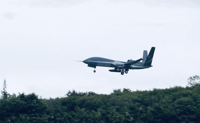 我国首次大型无人机台风综合观测成功