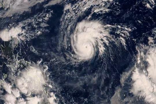 """台风""""天鹅""""成为今年西北太平洋风王"""