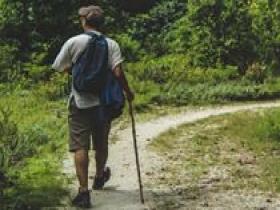 每天走够万步?研究:日行4400步就可延年益寿