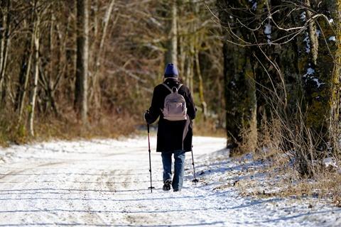 寒冷天气 如何正确进行户外运动?
