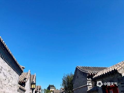 """北京""""通透蓝""""入画来 美丽秋景令人心旷神怡"""
