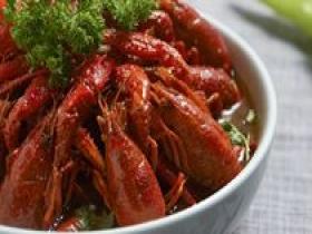小伙被5斤小龙虾放倒  医生:有这病千万别吃小龙虾