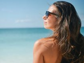 《皮肤防晒专家共识》解读:教你成为烈日下最白的崽