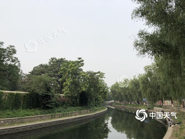 """闷热""""套餐""""继续""""派单"""" 今日北京最高温升至35℃"""
