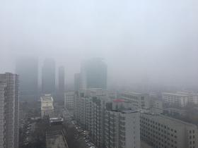 河北今晨大雾阻交通 明起新冷空气到场雨雪大风再来
