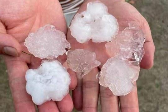 江西多地雷电暴雨冰雹大风齐袭