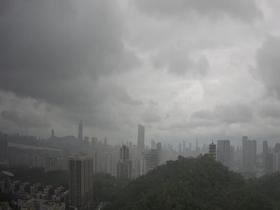 热带低压掀风雨 广东东部等地局部大暴雨海面阵风10级