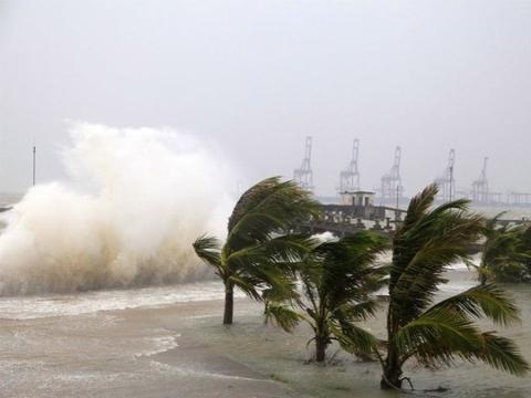 """今年首个台风""""木恩""""登陆,一首歌带大家了解一下初台风的威力!"""